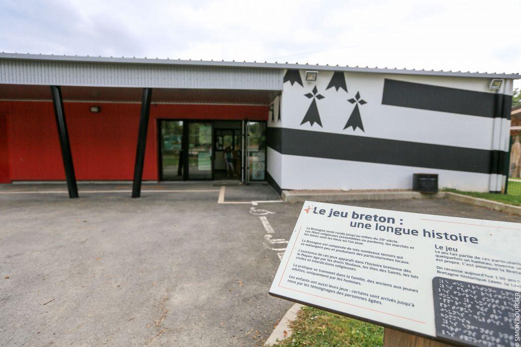 Le c rouj le parc de loisirs des jeux bretons le guide for Parc de loisir interieur